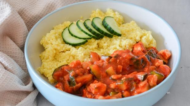 Kuracie prsia na paradajkovej omáčke s pšenom