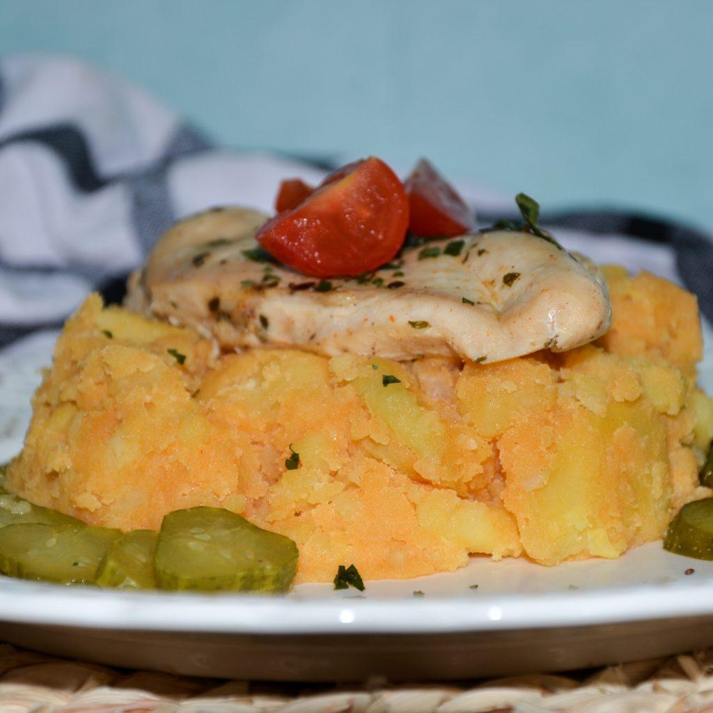 Paprikové zemiak s bylinkovým mäskom