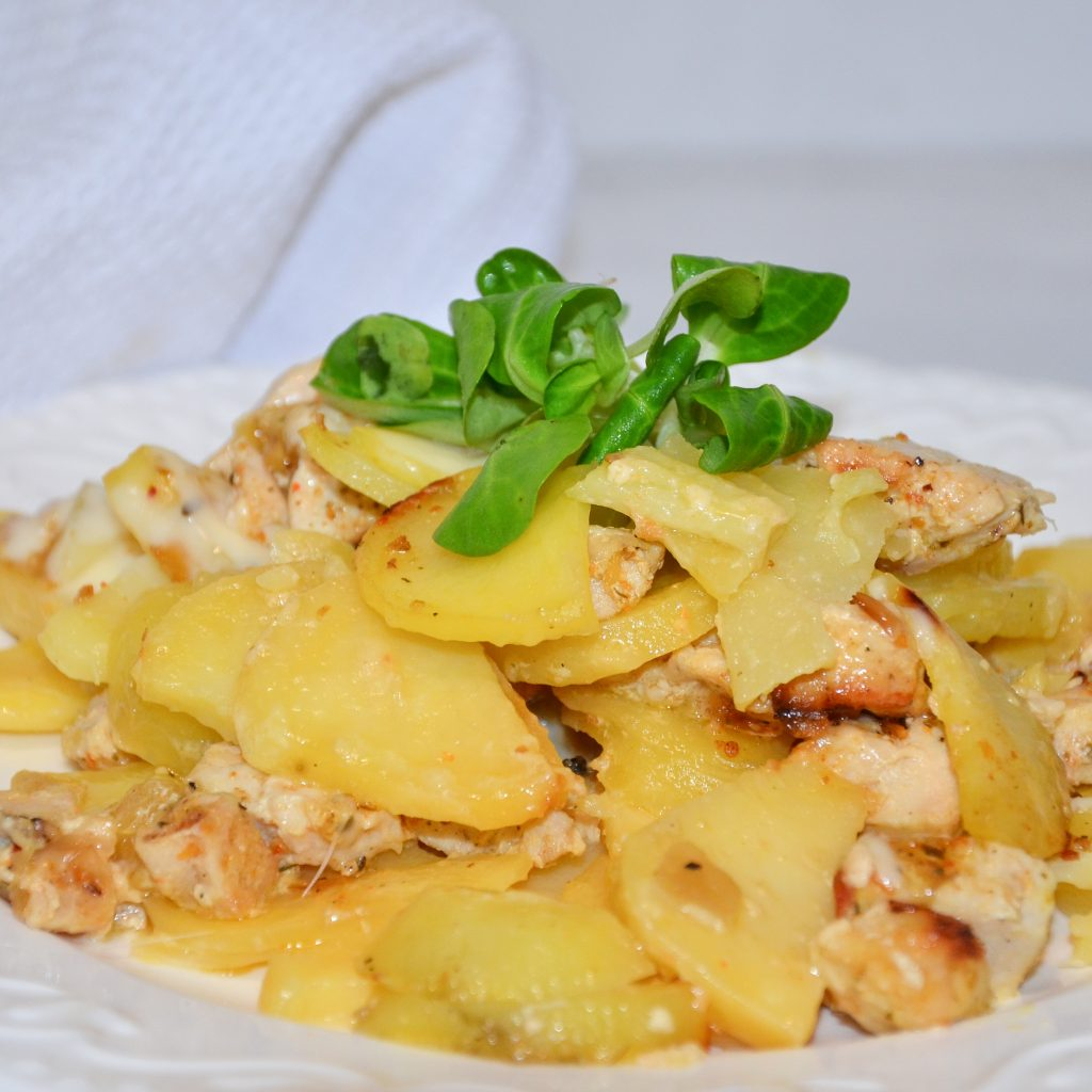 Zapekané zemiaky s kuracím mäsom