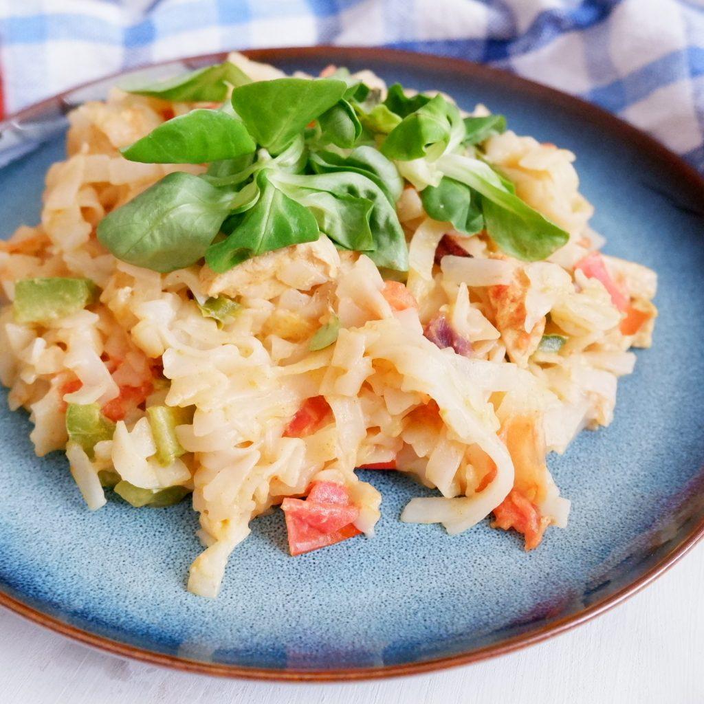 Krémové ryžové rezance s mäsom a zeleninou